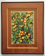 Des fruits dans l'arbre.