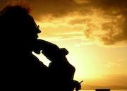 Mes pensées vagabondent, comme vagues sur l'ombre….