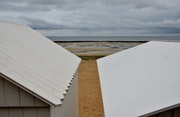 Saint Aubin sur mer : les cabanes de bain.