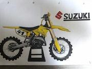 Suzuki rm 250 drawing. Luca M
