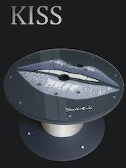 Kiss : La Table Basse. Alexandre Amara