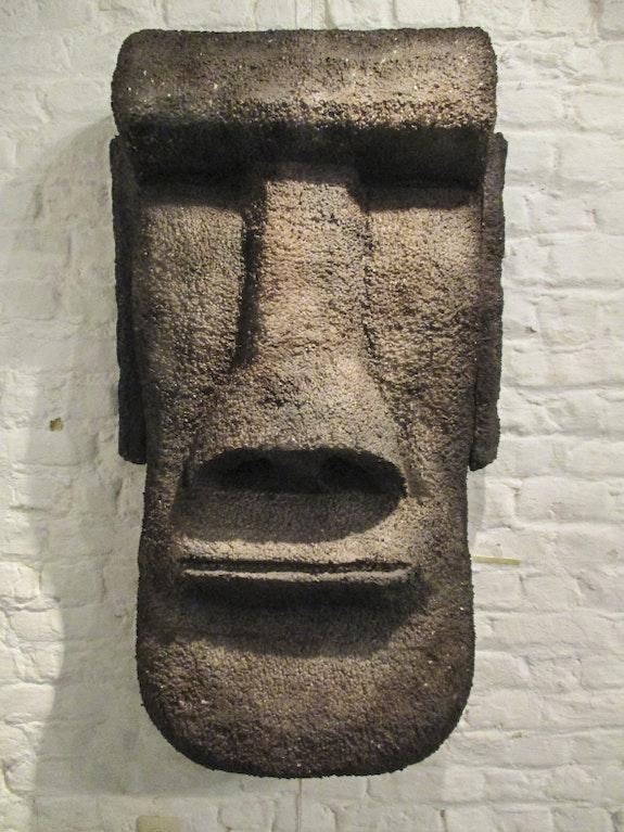 Sculpture Moai nature. Skar Pierre Scarella