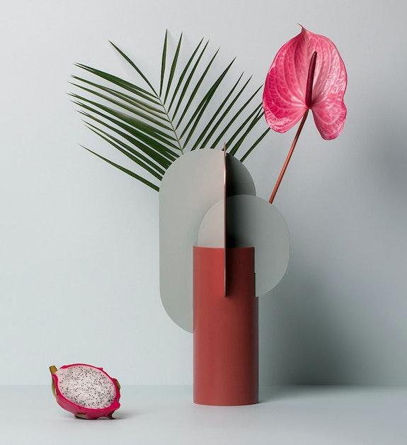Ekster Metal Vase. Noom Store/huskdesign