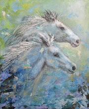Deux chevaux bleus.