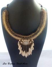 Collier haute couture en pierre de lune et perles japonaises Miyuki. Agnesmdesigns