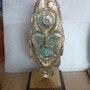 Figurine sculptée sur os de seiche. Jean Claude Vildé