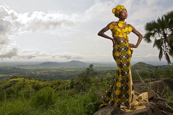 Sans titre (n°1, série «Togo à la mode», 2013). Transafrik Art Galerie