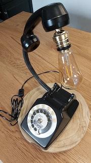 Téléphone vintage. Alliwyx