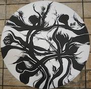 Composition fleurie noir et blanc. Cercle.