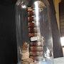 Cabinet de curiosités créa colonne sous Globe. Decoraion. R. Art