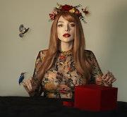 The Gift l. Daniela Suaste