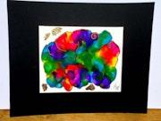 Dessin abstrait de 50 cm X 40 cm encres multicolores peinture or et feuilles or.
