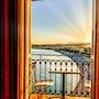 The golden balcony. Byalmador
