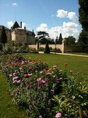 Chateau de malmaison fleuri. Monica