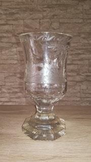 Pokal, Allegorie, Putto mit Harfe, Nordböhmen, um 1835-40.. Glaskunstgalerie Raphael