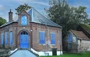 Maison bleue dans l aisne. Marquant Francis