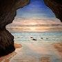 Une grotte au bord de Mer.