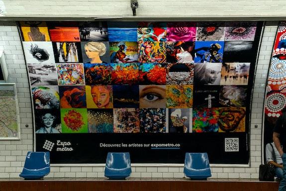 Affiche 8 Expo Métro Paris 2020 Chaussée d'Antin La Fayette.  Artquid Team