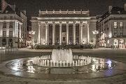 Nantes - Place Graslin de nuit. Kustner Roger