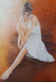 Jeune femme assise sur escaliers. Maurice Chiesa