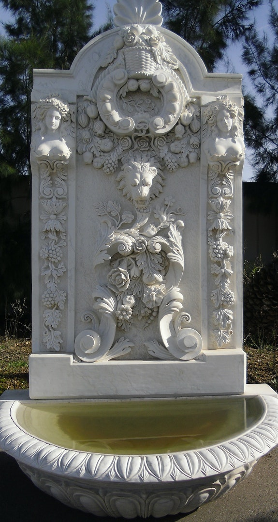 Fontaine taillée à la main en marbre blanco macael.. Opus Romano Xxi Sl Opus Romano Xxi Sl