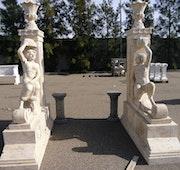 Façade en marbre travertin taillée à la main. Opus Romano Xxi Sl