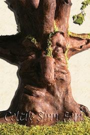 Kongar, die ENT mit zwei Gesichtern - Kongar, Die Zwei-Seiten-Tree. (1). Celtik Sinn Fein