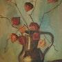 Terracota florero con ramas en el interior del amor en una jaula (physalis). Andre Blanc