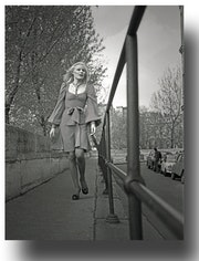 Walk in Paris, 1960s. Gilles Bizé