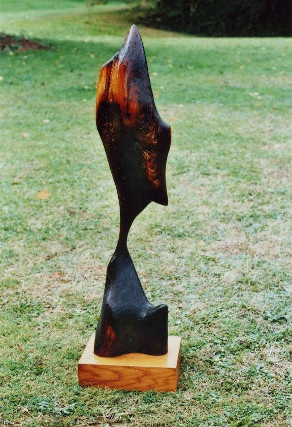 <Fragile Balance> una alusión a la destrucción masiva de los bosques. Tauzia Jean-Pierre Sculpteur / Tauzia Jean-Pierre