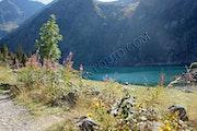 Le Lac Lauvitel du massif des écrins.
