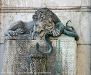History of the Fountain of Lions, Dragon und Snake.