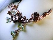 Collier en cuivre et perles de verre tchèques vert d'eau. Isabelle Di Martino