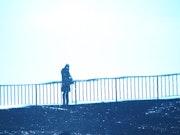 Le passant sur le pont «Max Jacob».