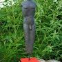 The man standing. Earth Raku fired stoneware, patina pure shellac. Sculpteur / Tauzia Jean-Pierre
