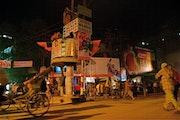 Carrefour bang lassi, Benares (Kashi) Varanasi, India. Nikko