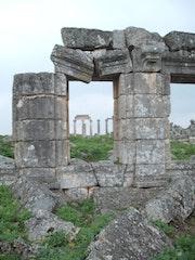 Apamee en Syrie est un ensemble de ruines passionant..