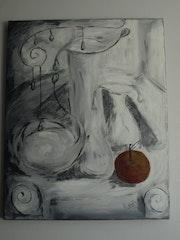 Still life with apple gray.