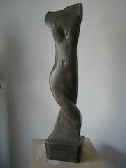 Weibliche Ton-Skulptur.