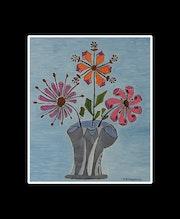 Drei der Vase. Sylvie Hanquez