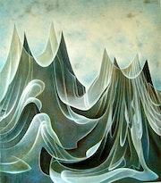 Las ondas de atacar la montaña.