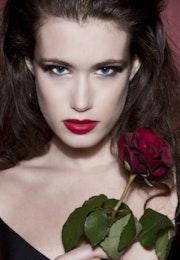 Wonderful portrait of Woman and rose. Flavia Raddavero Photographer