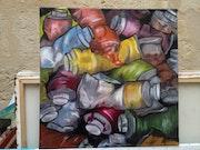 Un tas de tubes de peinture.