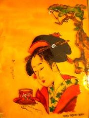 Geisha buvant sont thé°°°. Jacky