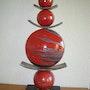 Sculpture Totem rouge (grd format). Émilia