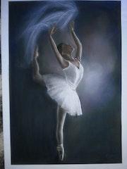 Danseuse dans la pénombre.