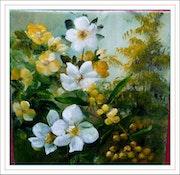 Roses jaunes et blanches accompagnées de mimosa.
