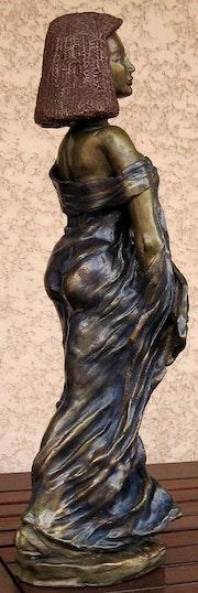 «L'egyptienne» Terre cuite patinée bronze.