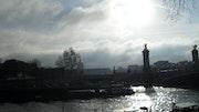 Paris, une journée lumineuse et un peu sauvage.