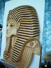 Mask-tutankhamun vu de coter. Ingrid